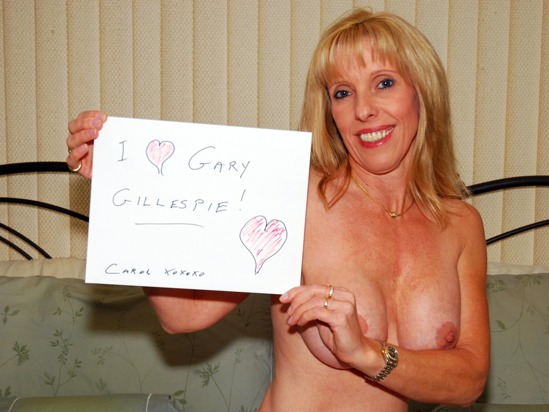hot women sucking guy off nude